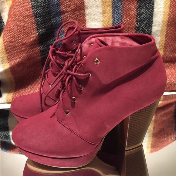912776b81e9 NWOT Red Bootie Heels